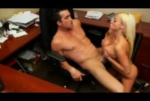 Fuck that horny slut with boss in office