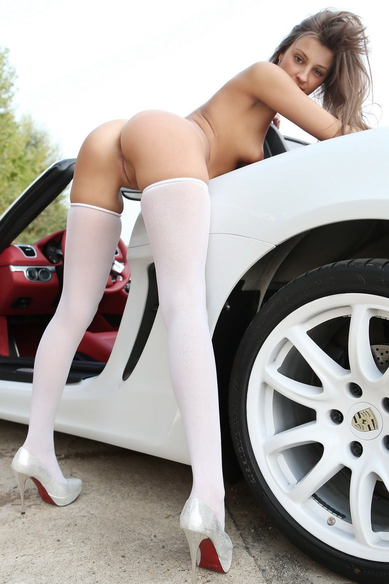 Car and the woman ! Which do you want ?