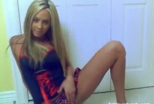Perfect blonde girl great erotic show