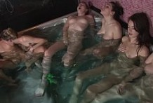 6 Lesbian masturbation show!