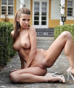 Brigitte Hunter brunette and skinny girl sex pictures!
